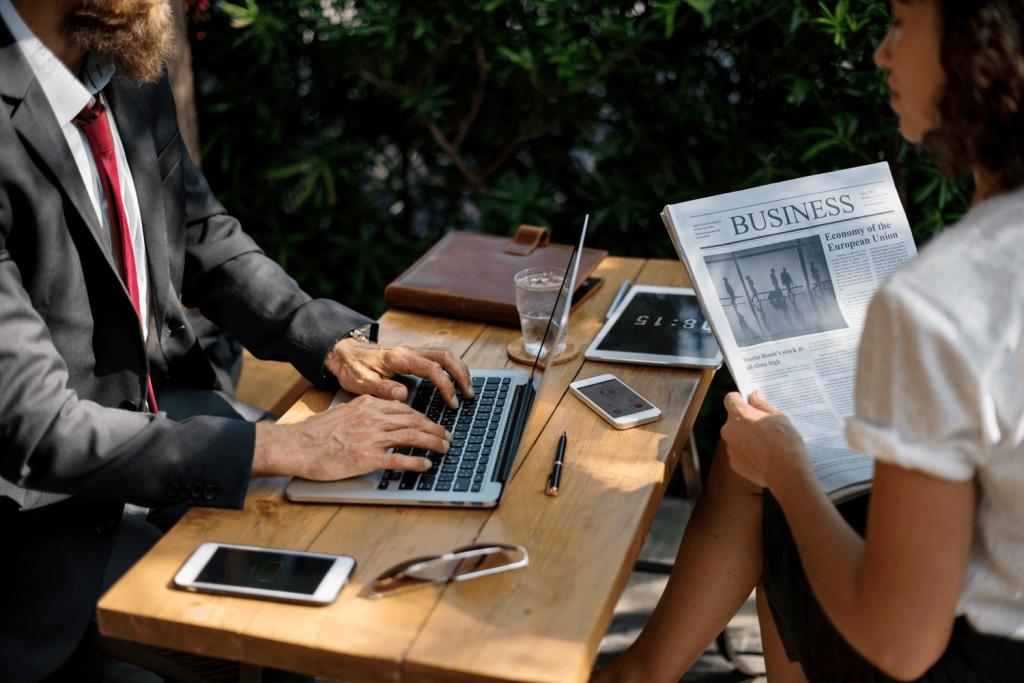 people-at-desk-benefits-litigation-funding