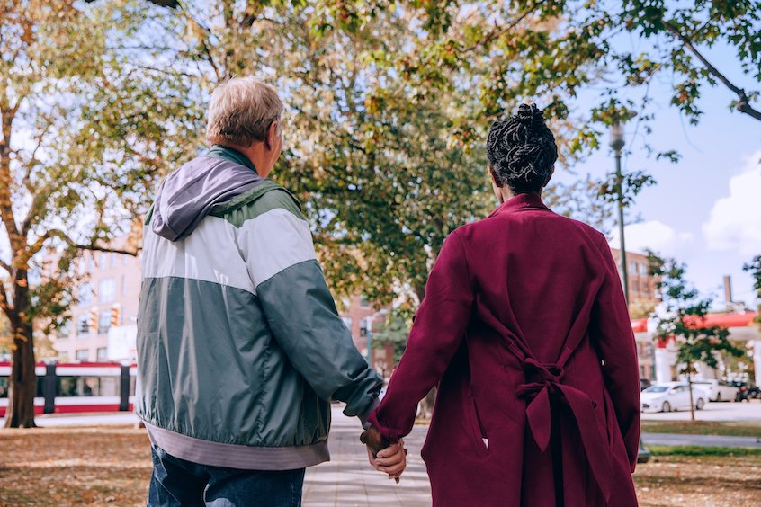 older-couple-holding-hands-2020-SECURE-Act
