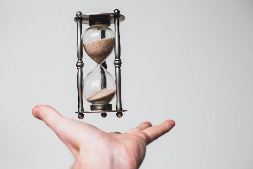 hourglass-time-IRA-deadlines